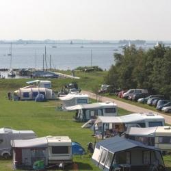 kampeerveldD-camping-aan-het-water